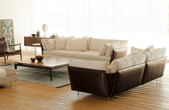 Ritzwell sofa LIGHT_FIELD_image01